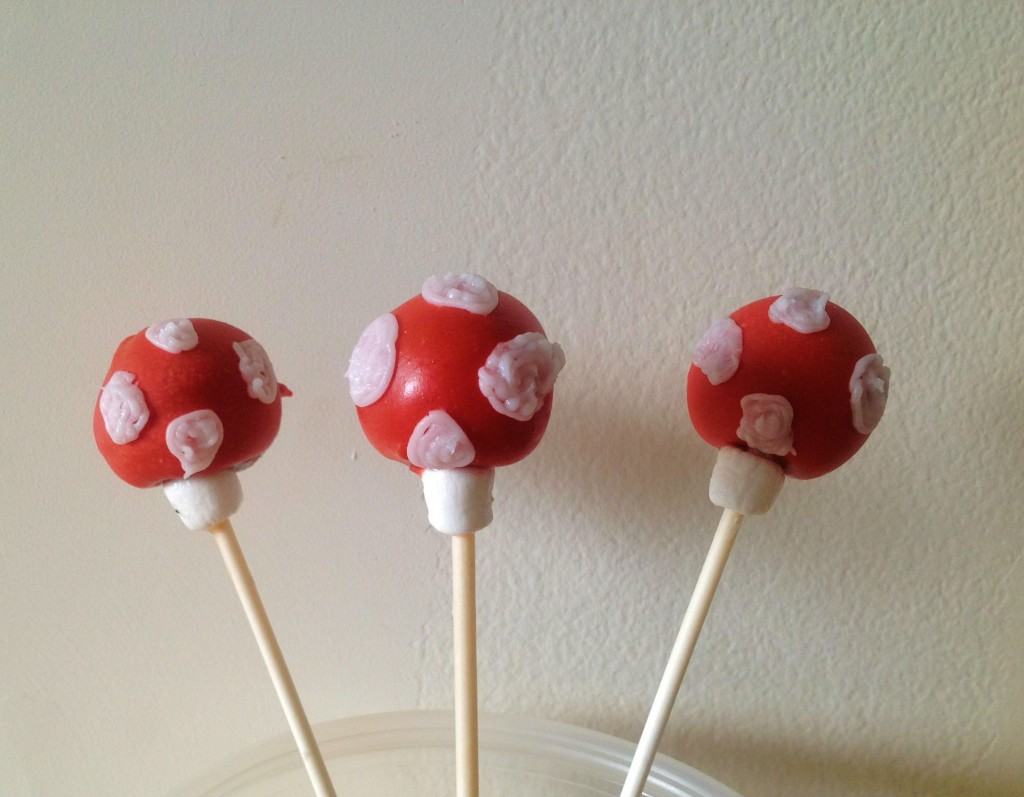 how to make button mushroom cake pops how to make cake pops. Black Bedroom Furniture Sets. Home Design Ideas